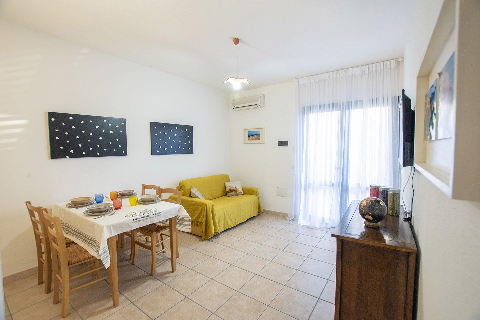 Appartamento in affitto a Valledoria, complesso residenziale con piscina, vicino al centro