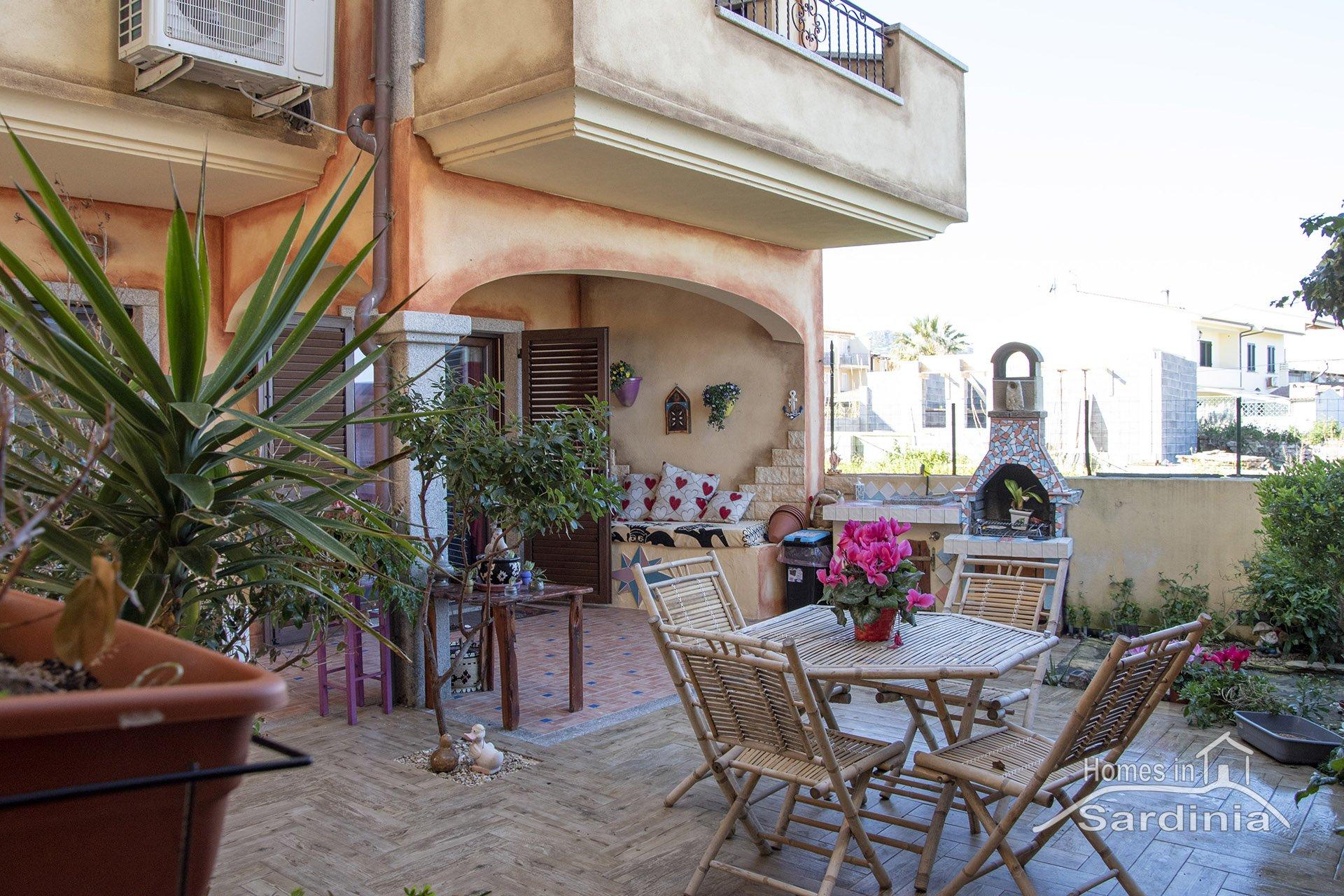 Casa in vendita a Valledoria, spazioso patio esterno e bella vista mare