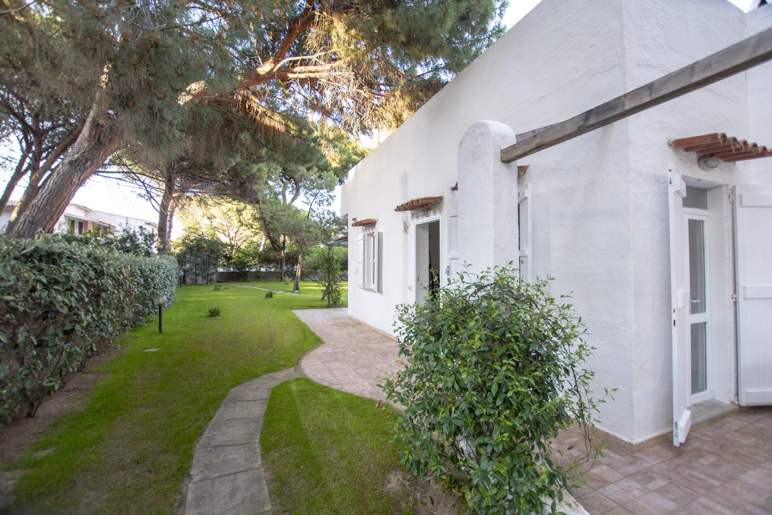 Villa Eucalipto, un'oasi di relax in Pineta San Pietro, Valledoria